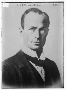 sir_douglas_mawson_circa_1916